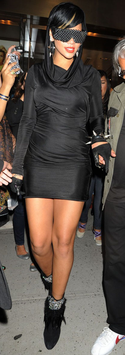 rihanna-fashion-week-09
